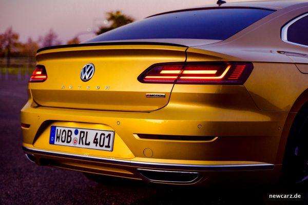 VW Arteon 4Motion schräg Heckpartie