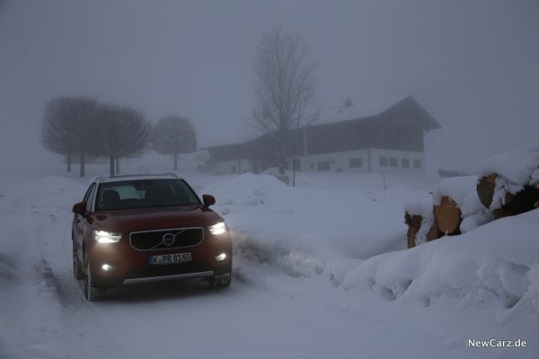 Volvo XC40 D4 AWD Front