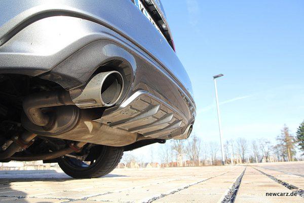 Infiniti Q50S Hybrid Endrohre