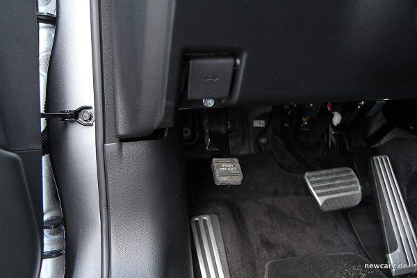 Infiniti Q50S Hybrid Parkbremspedal