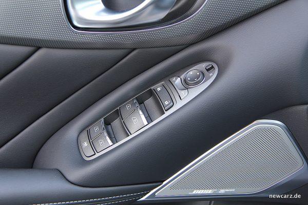 Infiniti Q50S Hybrid Türverkleidung