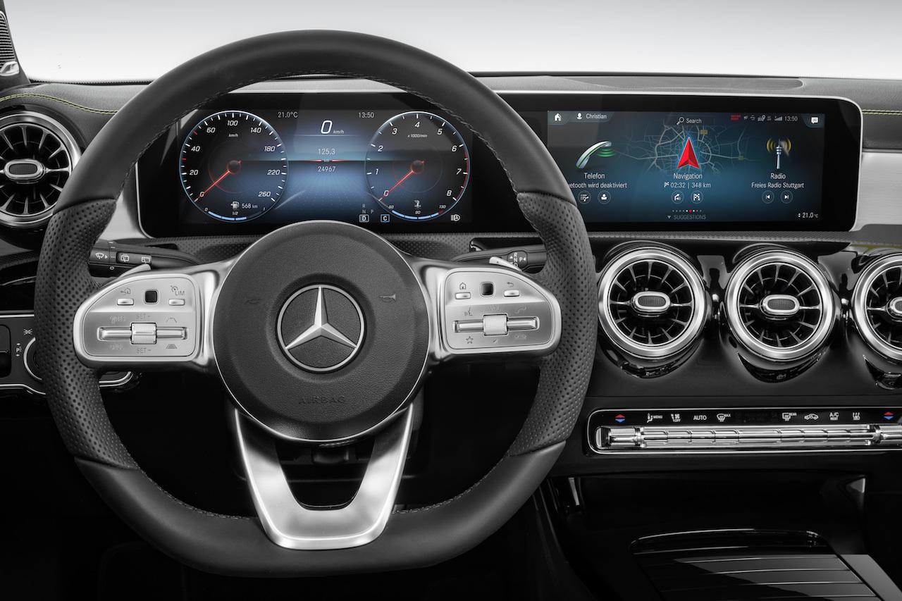 Mercedes benz a klasse futuristischer kompakter newcarz for Mercedes benz a klasse