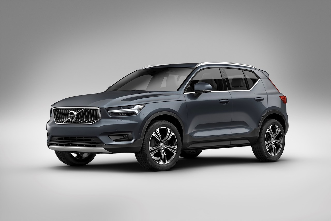 volvo xc40 neues motorentrio f rs suv newcarz. Black Bedroom Furniture Sets. Home Design Ideas