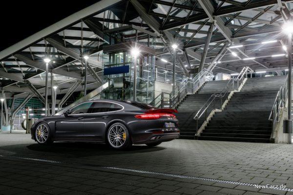 Porsche Panamera Turbo Heckansicht
