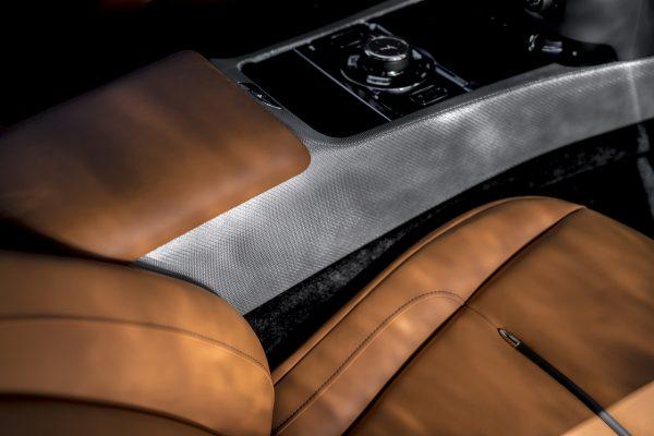 Rolls Royce Wraith Luminary Collection Edelstahlfäden Getriebetunnel