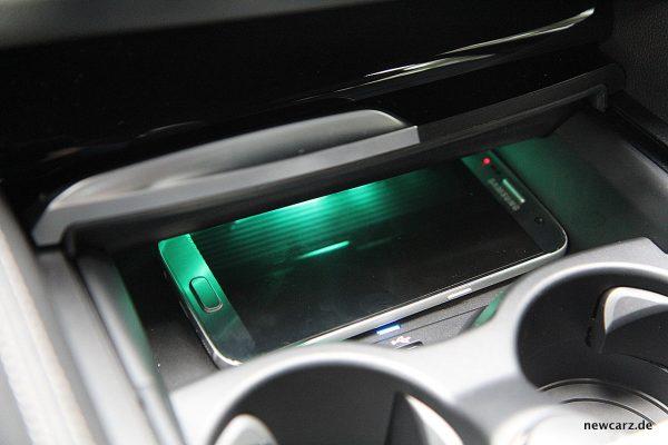 BMW 520d xDrive Touring Induktive Ladung
