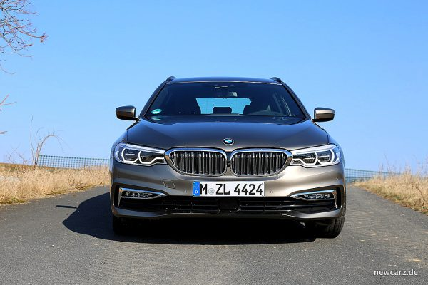 BMW 520d xDrive Touring Front