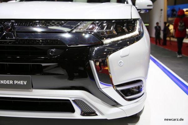 Mitsubishi Outlander PHEV 2018 Scheinwerfer