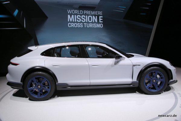 Porsche Cross Turismo Mission E Seitenansicht