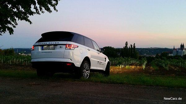 Range Rover Sport SVR schräg hinten