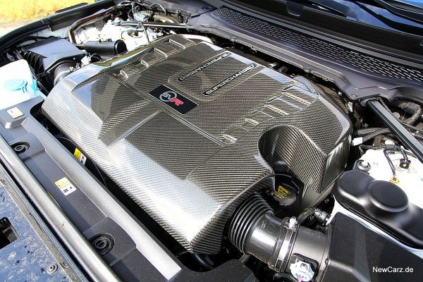 Range Rover Sport SVR Motorraum