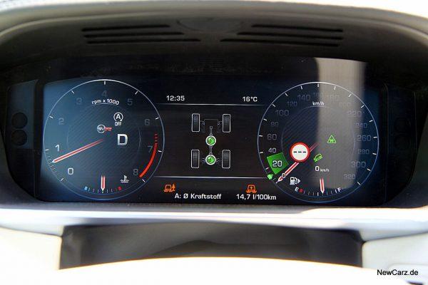 Range Rover Sport SVR Tacho