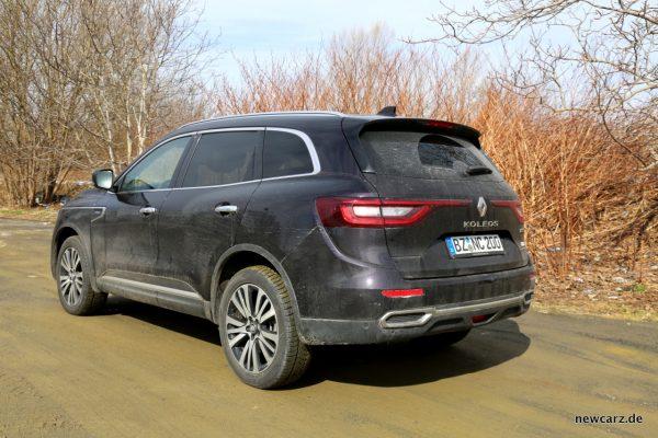 Renault Koleos Dauertest schräg hinten verschmutzt.