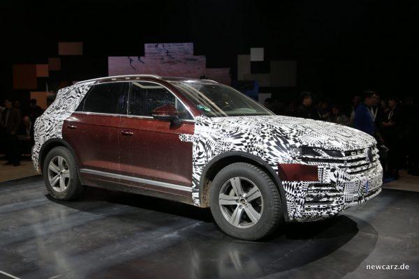 VW Touareg Seite getarnt