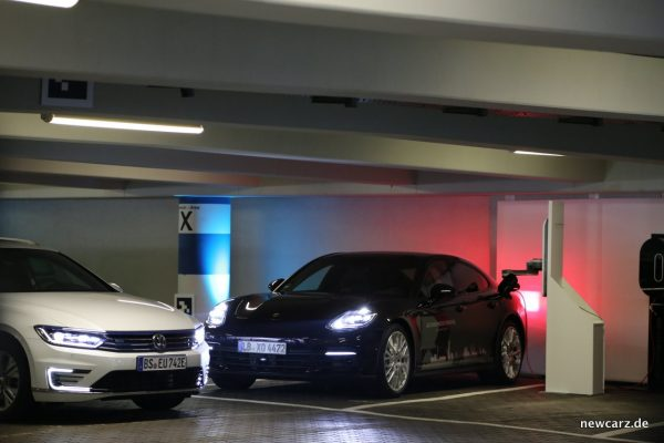 Autonomes Parken Volkswagen