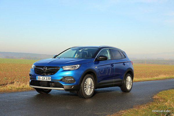Opel Grandland X schräg vorne