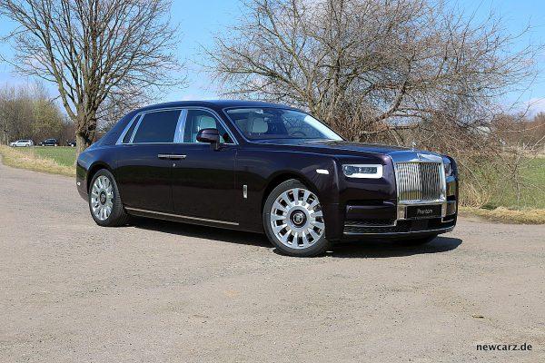 Rolls-Royce Phantom schräg vorne