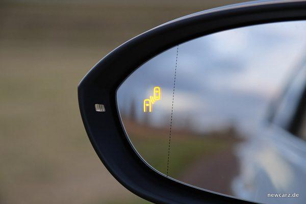 VW Golf Sportsvan Außenspiegel mit Totwinkelassistent