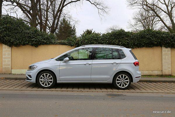 VW Golf Sportsvan Seite
