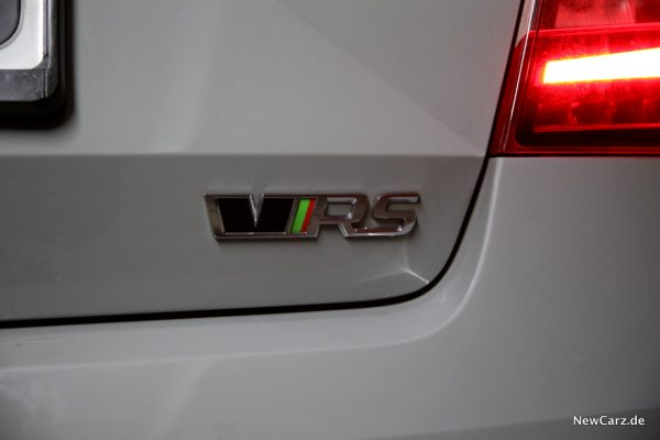 Skoda Octavia RS245 RS-Logo Heck
