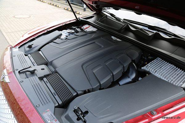 Bentley Bentayga Diesel Motorraum