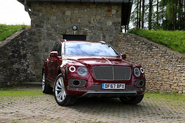 Bentley Bentayga Diesel - schräg frontal
