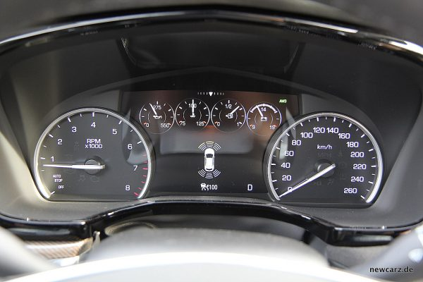 Cadillac XT5 Cockpit