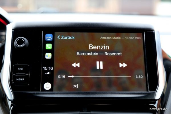Peugeot 208 GTi Apple Carplay