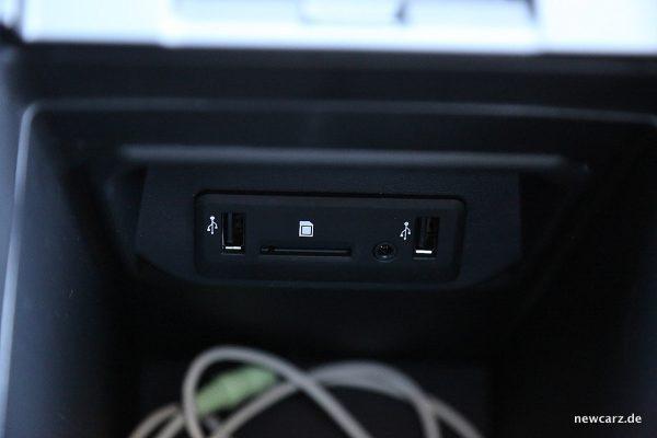 Renault Koleos Dauertest USB Slots