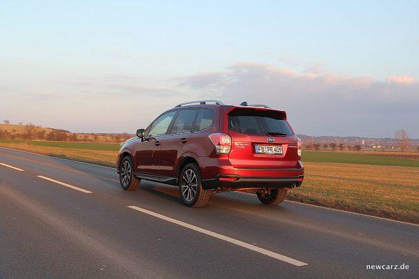 Subaru Forester 2018 schräg hinten links