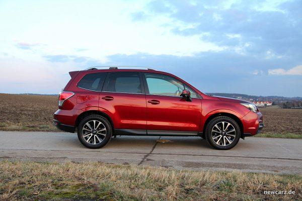 Subaru Forester 2018 Seitenlinie