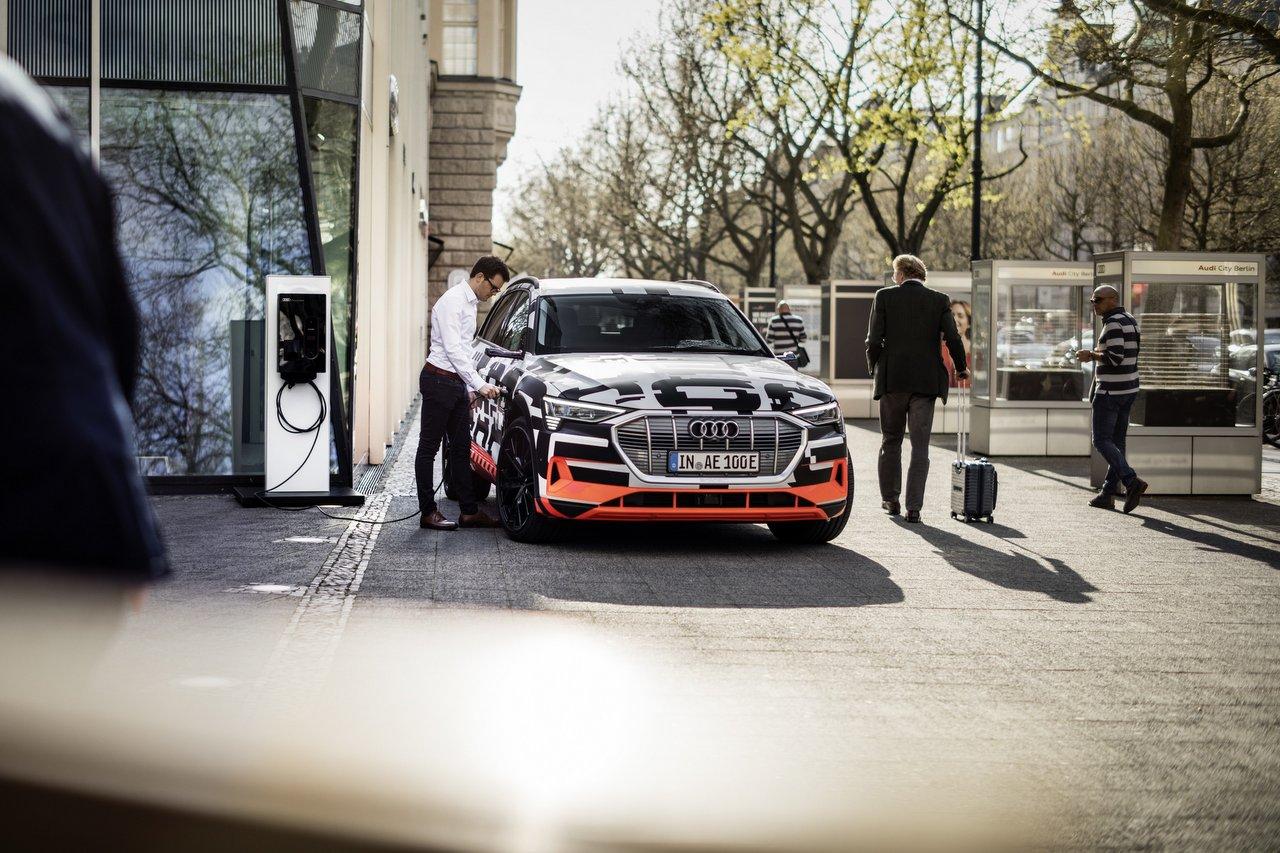 Audi e-tron - Laden in den eigenen vier Wänden