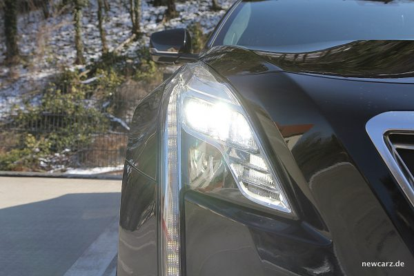 Cadillac CT6 LED