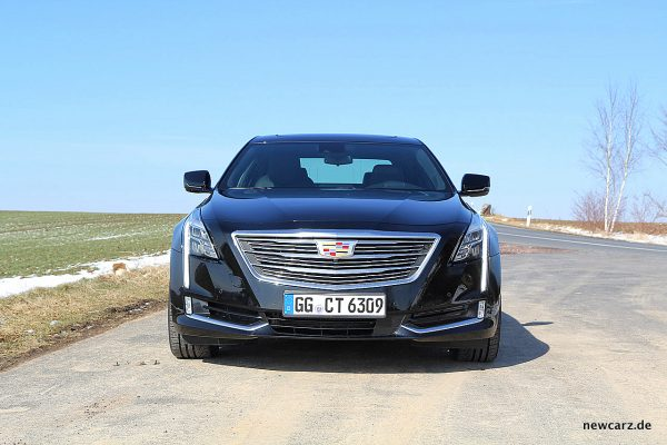 Cadillac CT6 Front