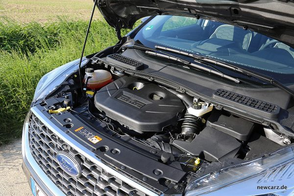 Ford Kuga Vignale Motorraum