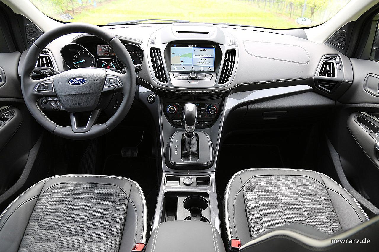 Ford Kuga - kantig, kräftig, robust - NewCarz.de