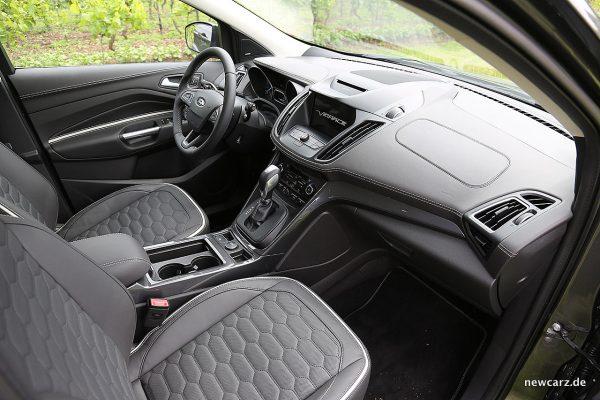 Ford Kuga Vignale Instrumententafel