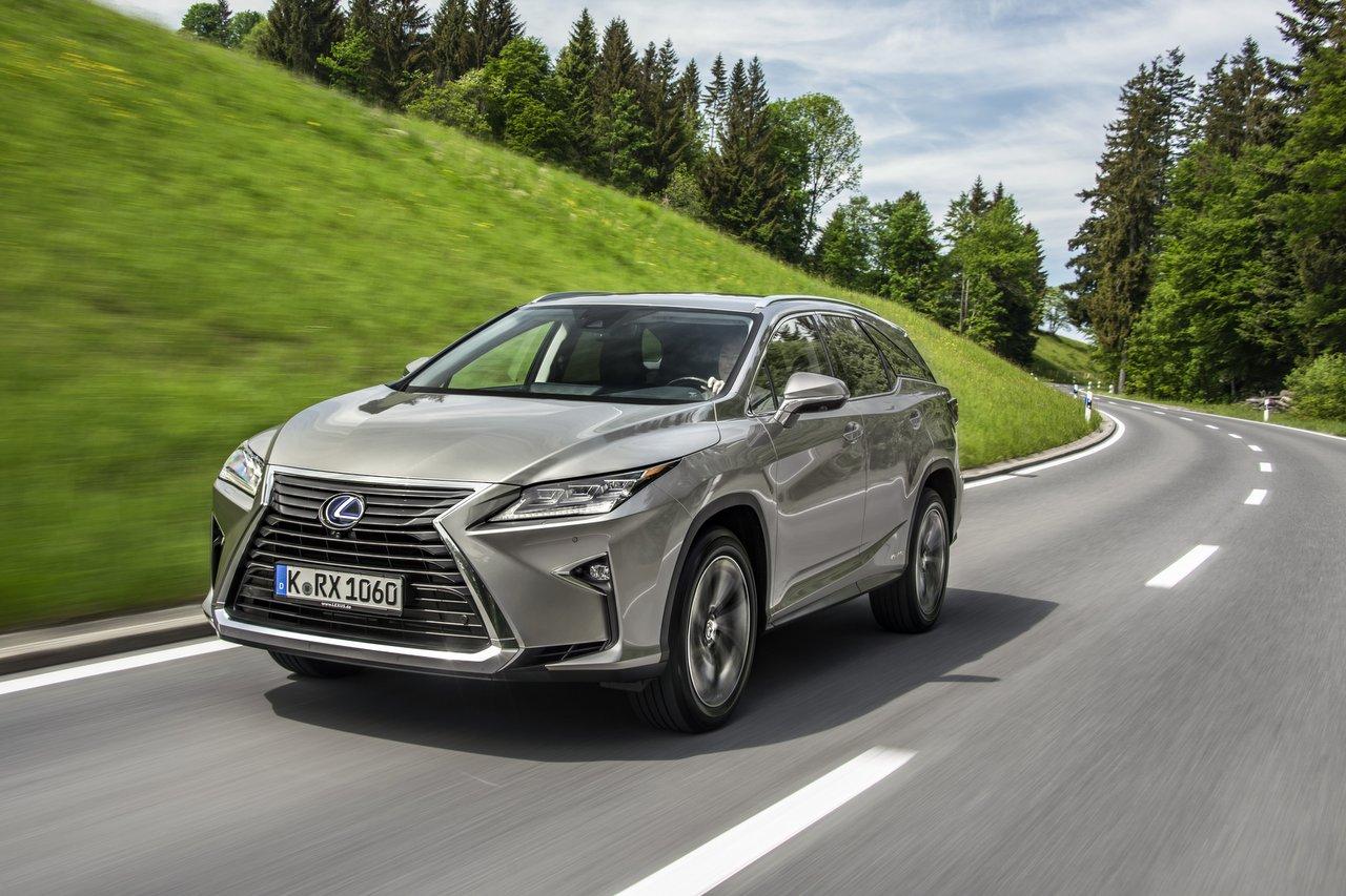 Lexus RX L - Genug Platz für einen Ausflug mit der ganzen Familie