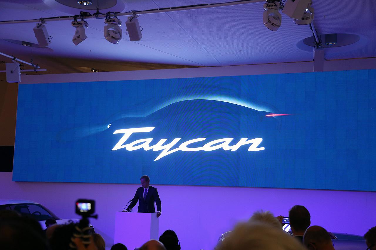 Porsche Mission E heisst Taycan