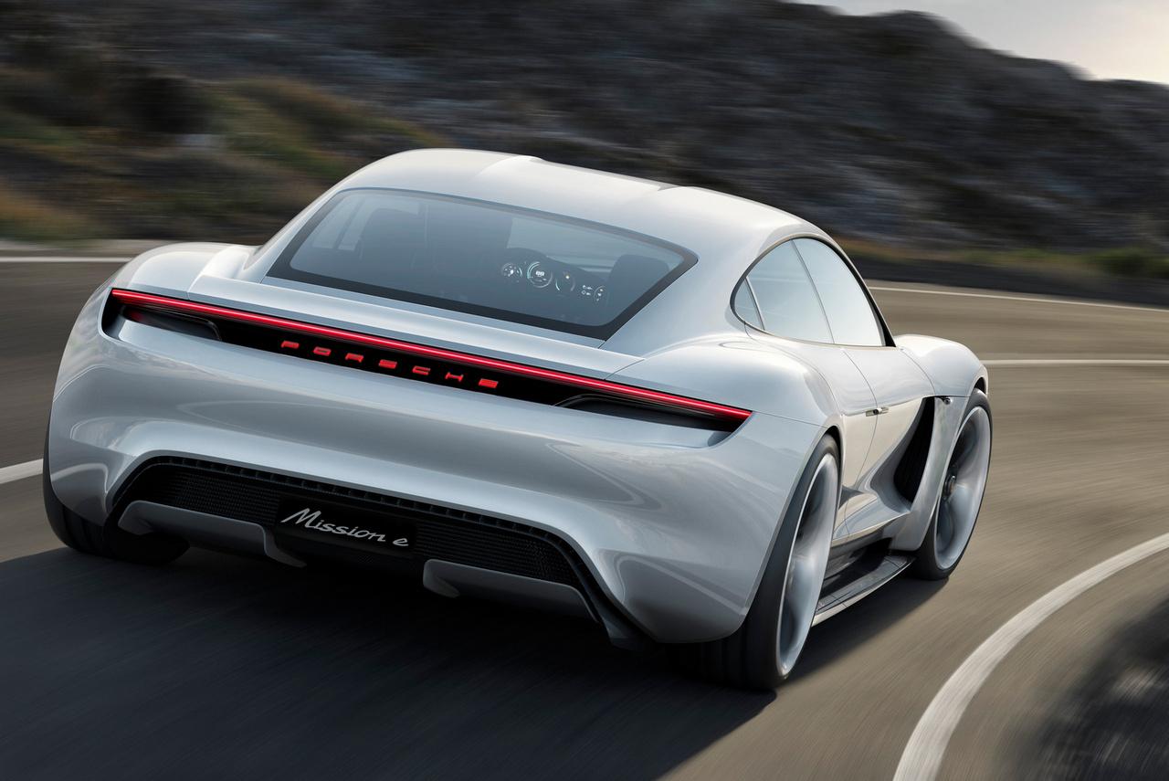 Porsche Taycan - Fahrt in die E-Zukunft