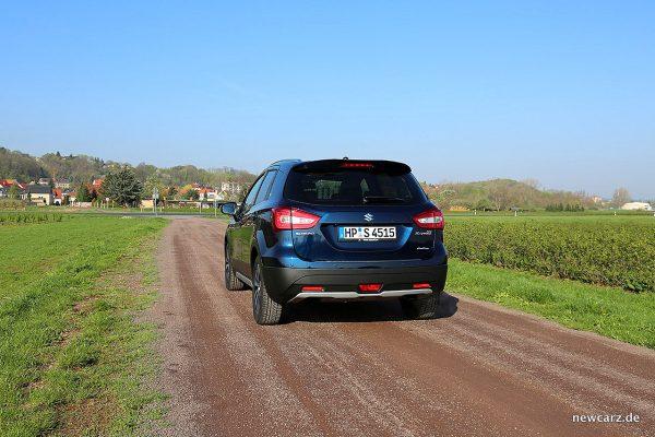 Suzuki SX4 S-Cross schräg hinten