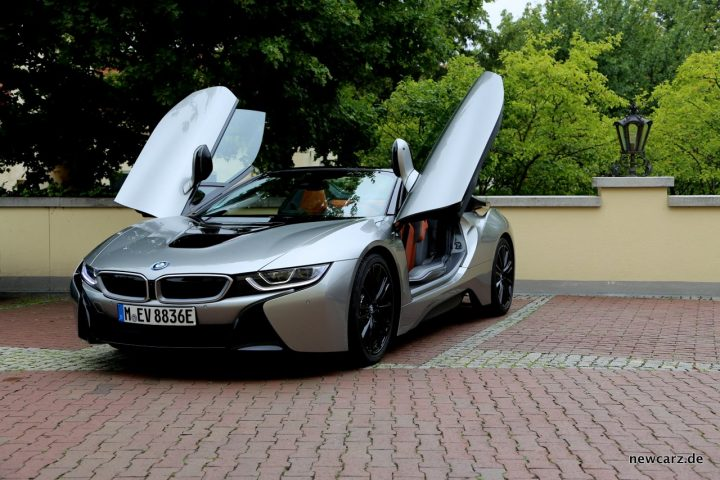BMW i8 Roadster Front