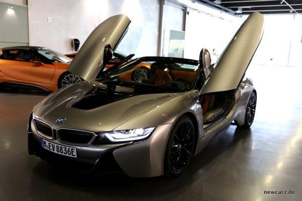 BMW i8 Roadster Flügeltüren