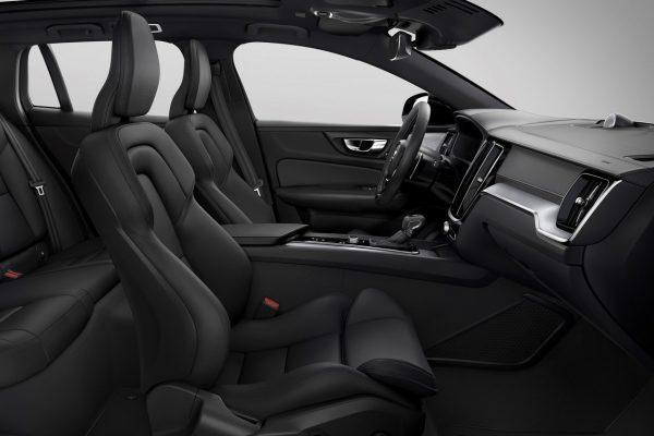 Der Innenraum des Volvo V60 R-Design