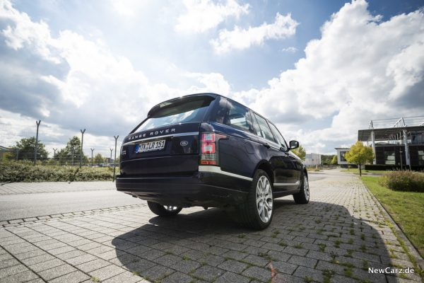 Range Rover SDV8 Heckansicht