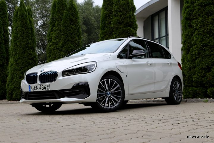 BMW 225xe iPerformance Front