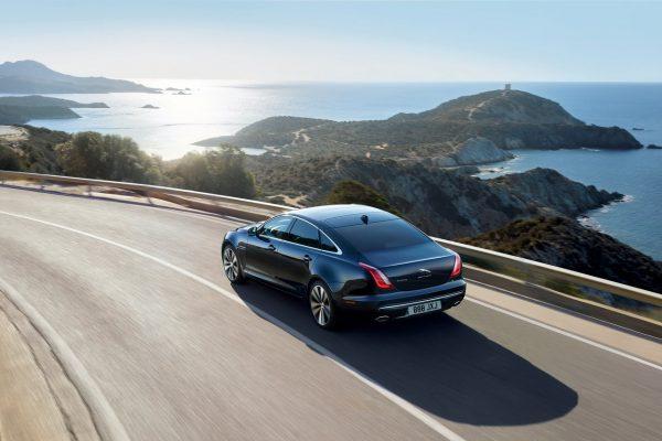 Heckansicht des Jaguar XJ50