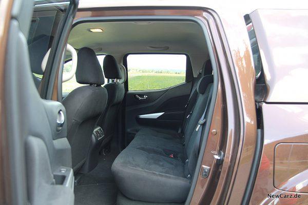Nissan Navara Rücksitze