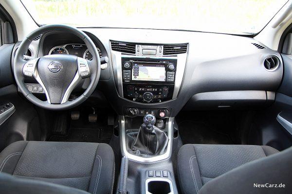 Nissan Navara Armaturenträger