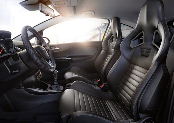 Interieur des Opel Corsa GSi